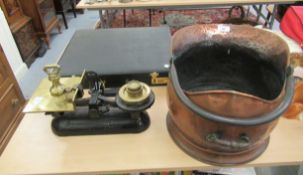A mixed lot: to include a late Victorian copper coal scuttle with a swing handle 10''h SR