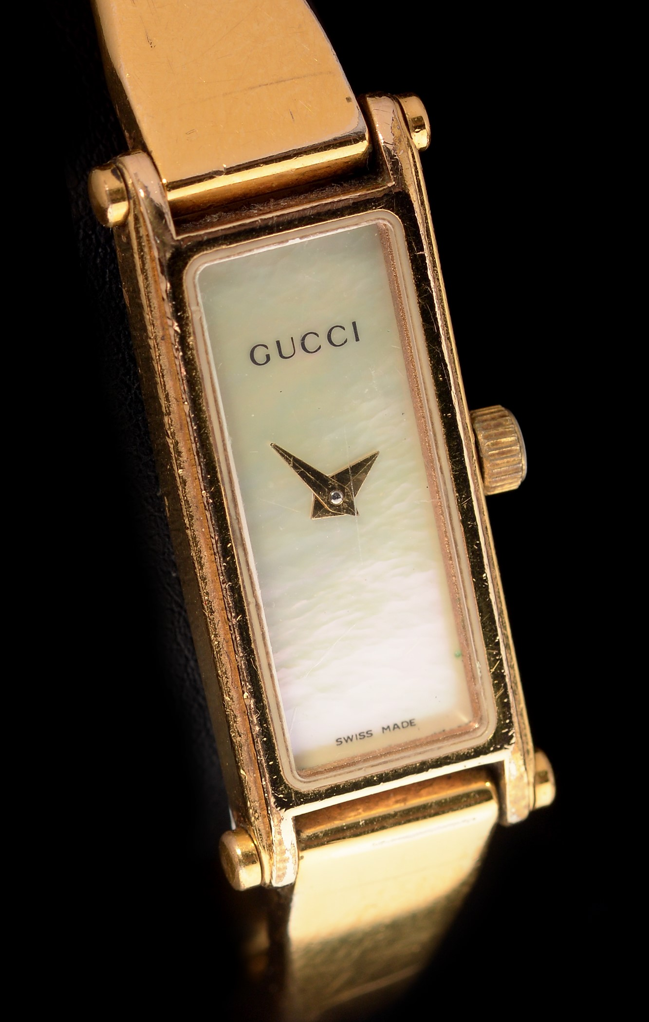 Lot 15 - Gucci quartz wristwatch