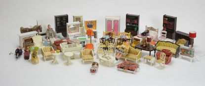 A collection of miniature dolls, doll's furniture and other items.