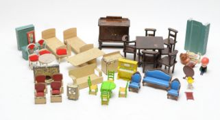 Mattel, Jacqueline, Ideal Petite Princess and other doll's furniture.