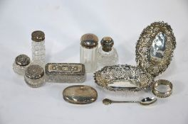 A late Victorian pair of small pierced silver bonbon dishes