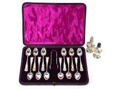 Cased set of silver Kings pattern teaspoons and salt & pepper