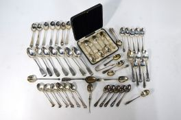 A cased set of six coffee spoons