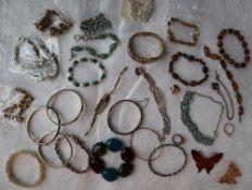 Assorted costume jewellery bracelets,