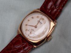 A Gentleman's 9ct yellow gold Vertex Revue wristwatch,