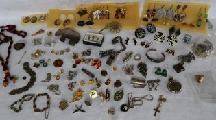Assorted costume jewellery including earrings, brooches, cufflinks, dress studs, necklaces,