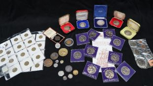A John Drage silver medallion of the Stock Exchange 1972 together with a Henry VIII Groat,