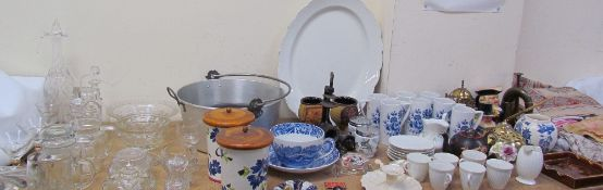 Various Portmeirion pottery coffee mugs together with a part tea set, pottery ashtray, linen,