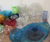 Assorted carnival glass together with commemorative glass dishes,