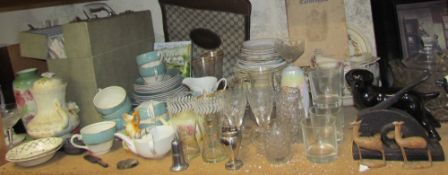 A pair of table lamps together with glass bowls, drinking glasses, print, part tea set, records,