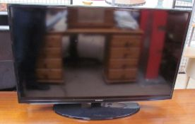 A Samsung flat screen television model UE40EH5000K (sold as seen, untested)