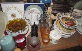 Assorted collectors plates together with a Royal Alma 20 piece dinner set, tea light holders,