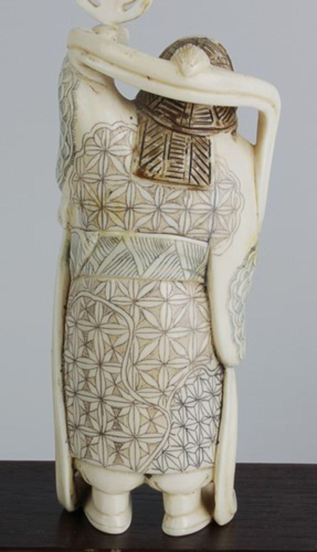 Figurengruppe - Chinaum 1920, 7x vollplastische Elfenbein-Schnitzereien, partiell geschwärzt, - Bild 6 aus 24