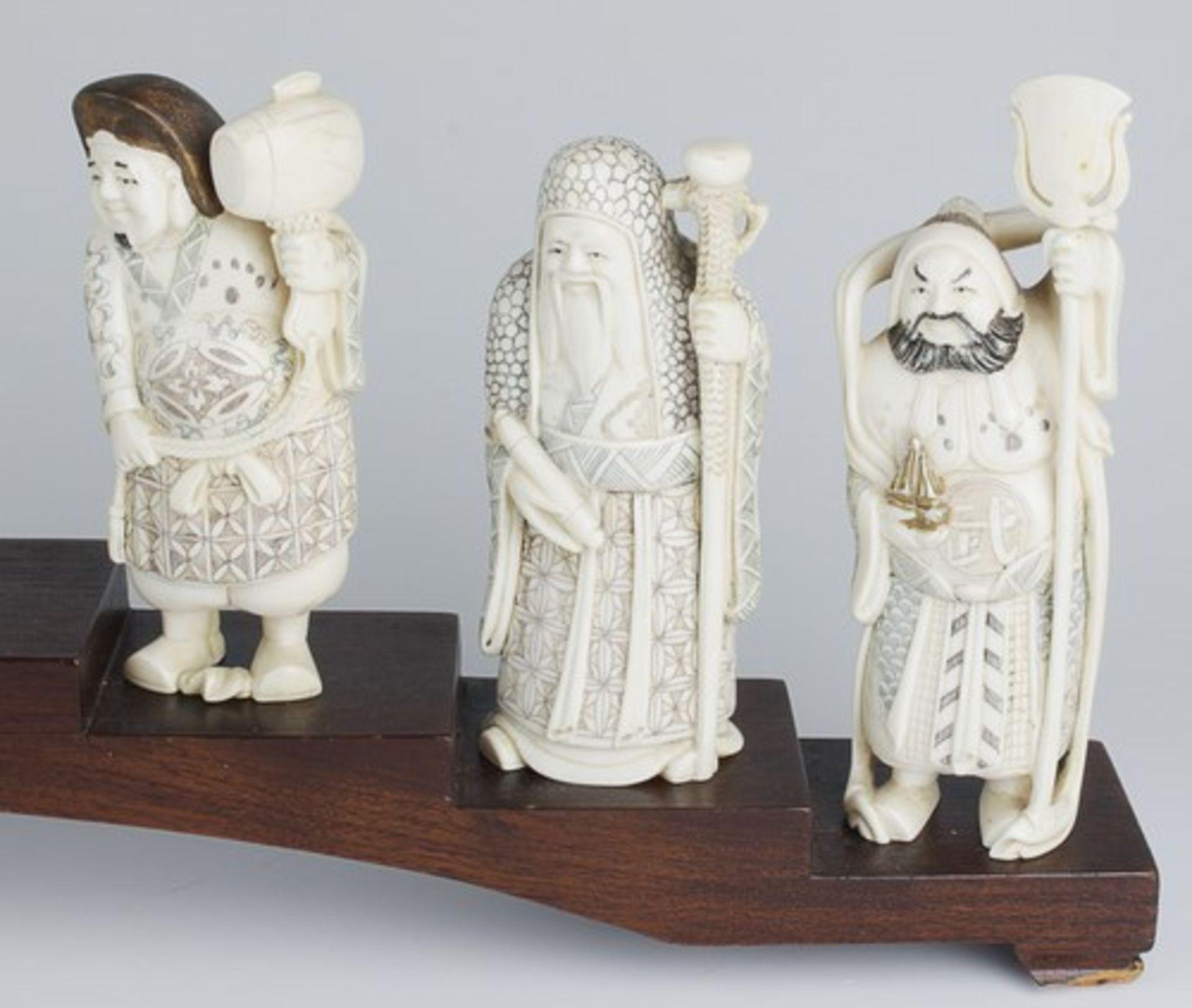 Figurengruppe - Chinaum 1920, 7x vollplastische Elfenbein-Schnitzereien, partiell geschwärzt, - Bild 18 aus 24