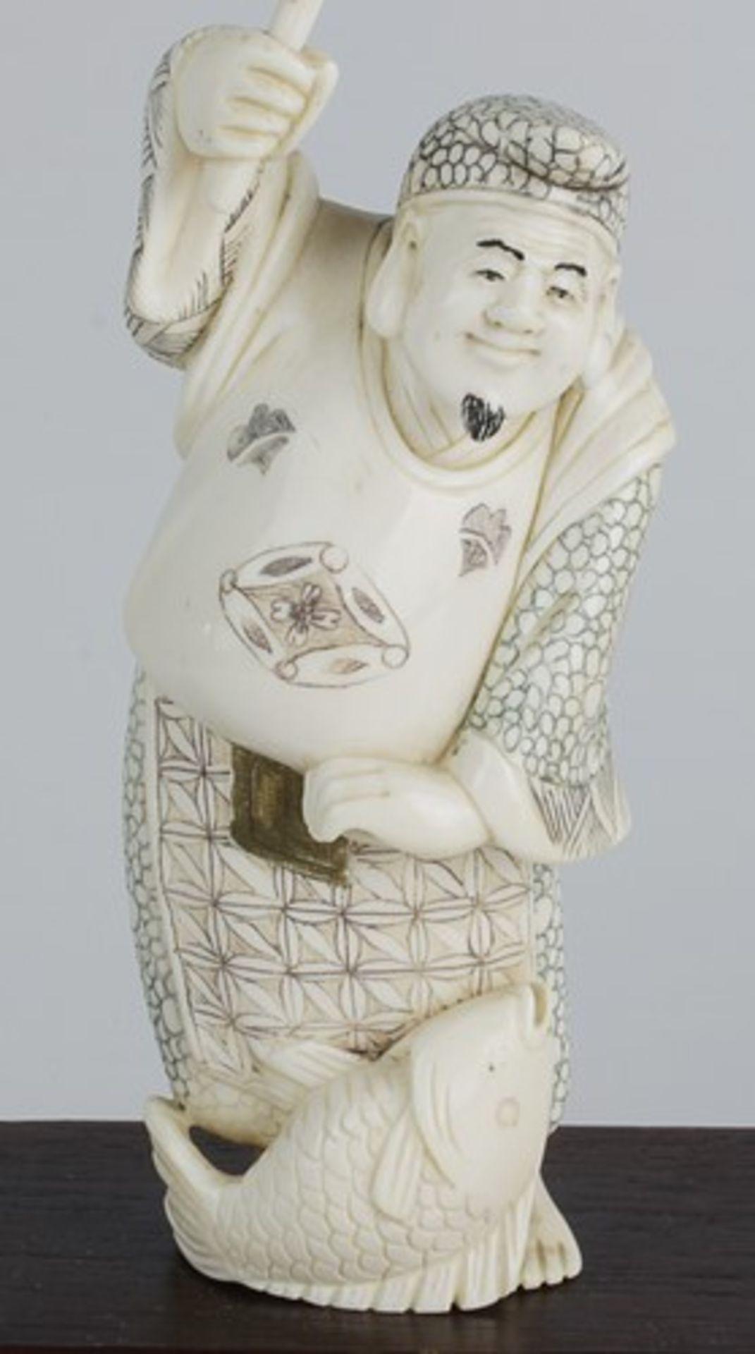 Figurengruppe - Chinaum 1920, 7x vollplastische Elfenbein-Schnitzereien, partiell geschwärzt, - Bild 11 aus 24
