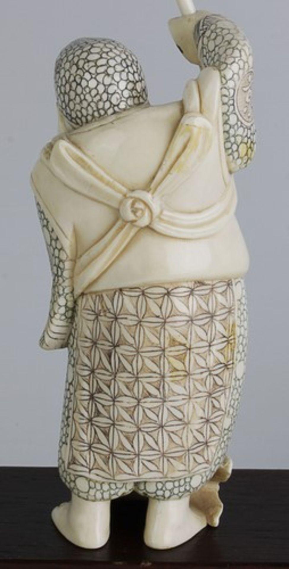 Figurengruppe - Chinaum 1920, 7x vollplastische Elfenbein-Schnitzereien, partiell geschwärzt, - Bild 12 aus 24