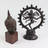 Figuren2 St., 20.Jh., Südasien, Metall, schwarz patiniert, vollplastische Figuren, Nataraja-
