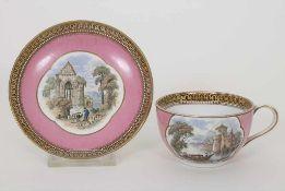 Tasse und Untertasse mit Landschaften / A cup and saucer with landscapes, F. & R. Pratt & Co.,