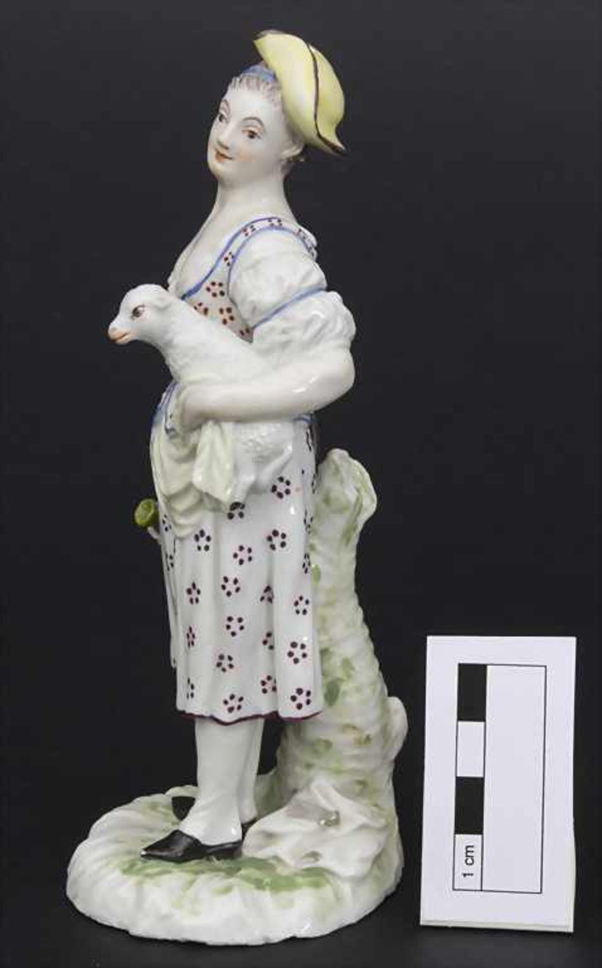 Schäferin mit Lamm / A shepherdess holding a lamb, wohl Joseph Nees, Ludwigsburg, 1760-67 - Bild 2 aus 8