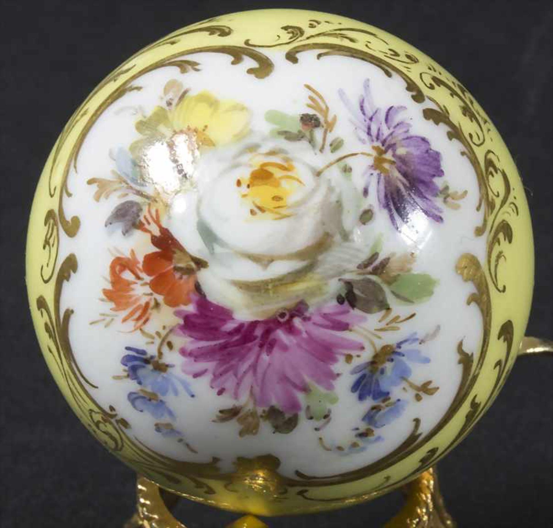 Stockknauf mit Blumenbouquet / A cane handle with flowers, Meissen, 19. Jh. - Bild 2 aus 4