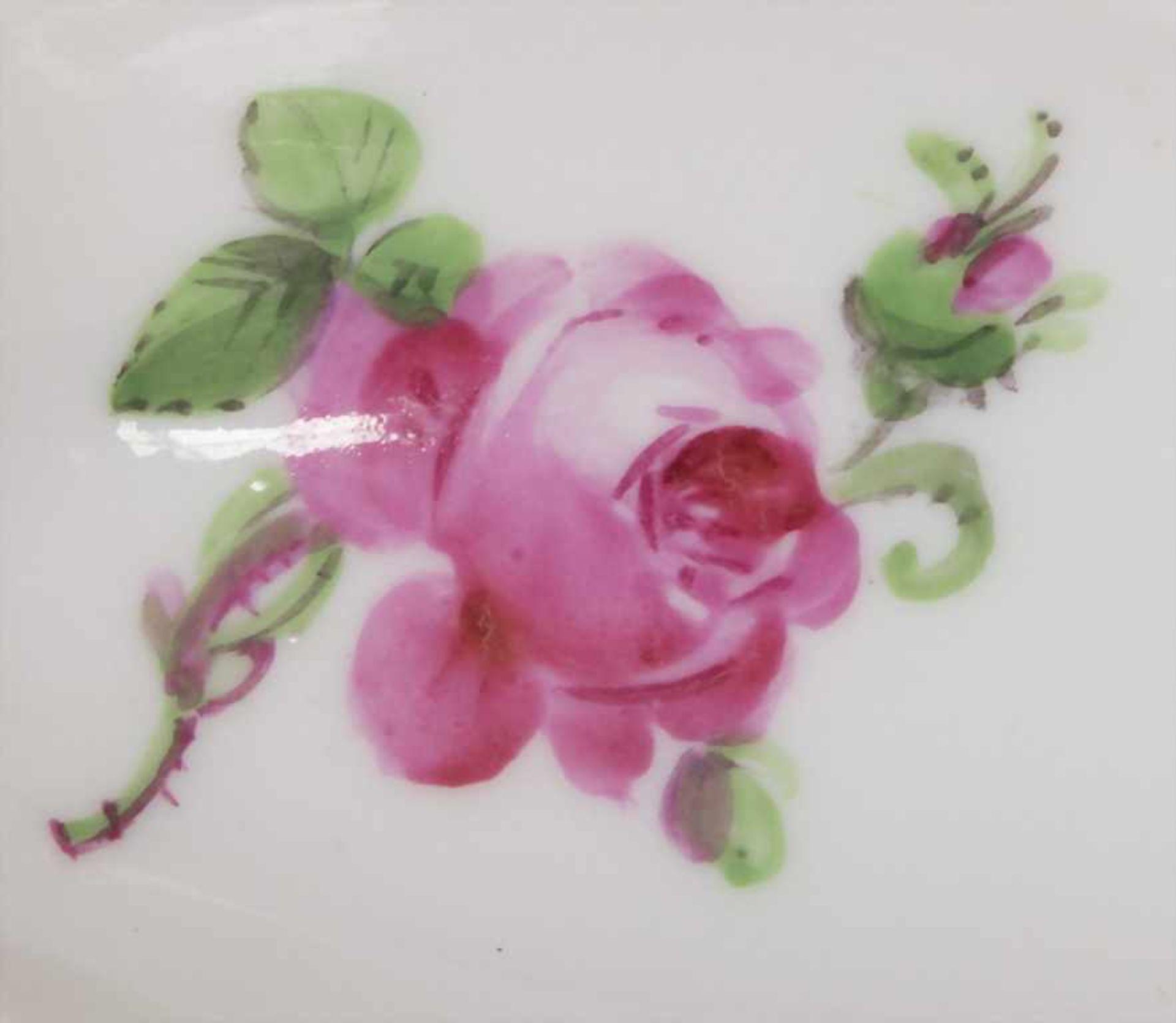 Seltener Löffel 'Rote Rose' / A rare spoon with rose pattern, Meissen, Mitte 19. Jh. - Bild 4 aus 5
