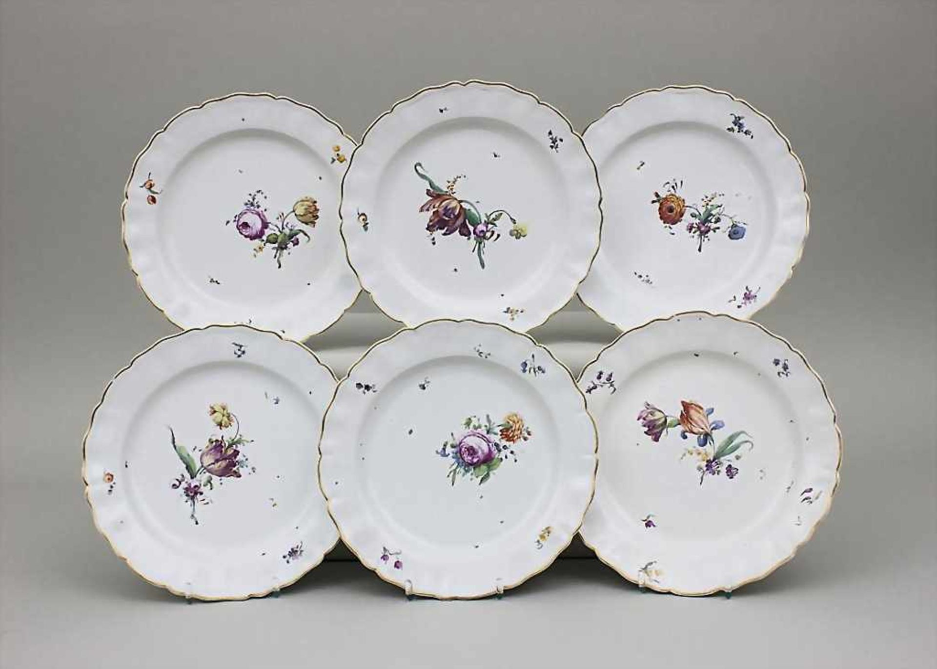 6 Teller mit Blumendekor / A Set Of 6 Dinner Plates With Flowers, Churfürstl. Mainzische Manufaktur,