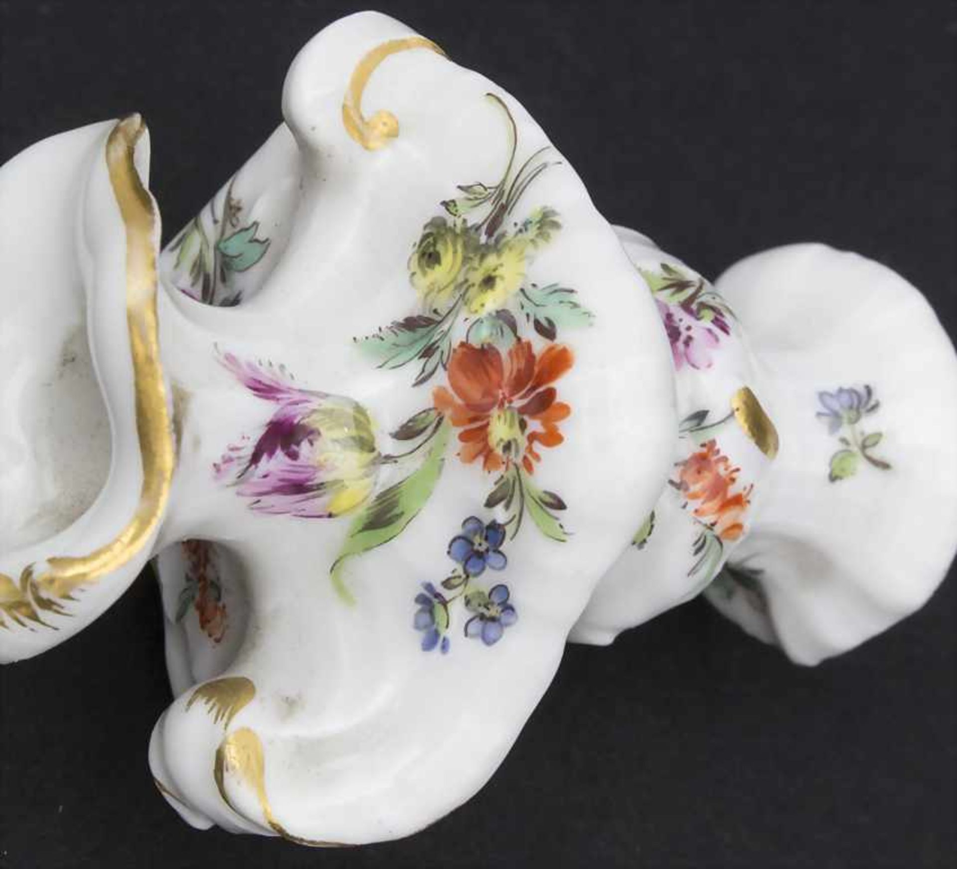 3 frühe Miniatur Vasen mit Rocaillen / A set of 3 early miniature vases with rocailles, Meissen, - Bild 6 aus 14