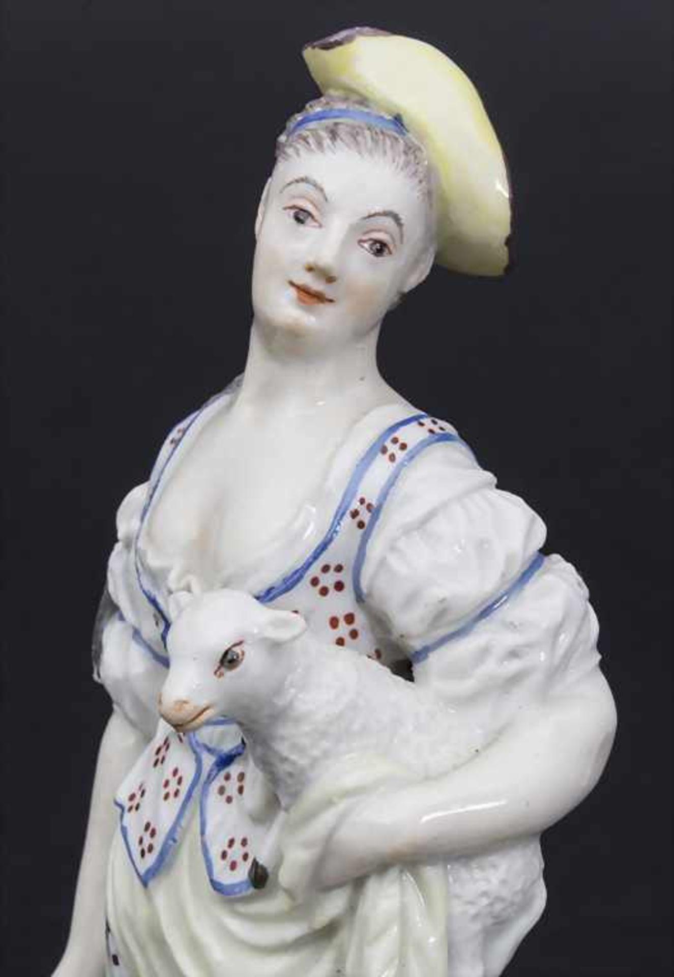 Schäferin mit Lamm / A shepherdess holding a lamb, wohl Joseph Nees, Ludwigsburg, 1760-67 - Bild 6 aus 8