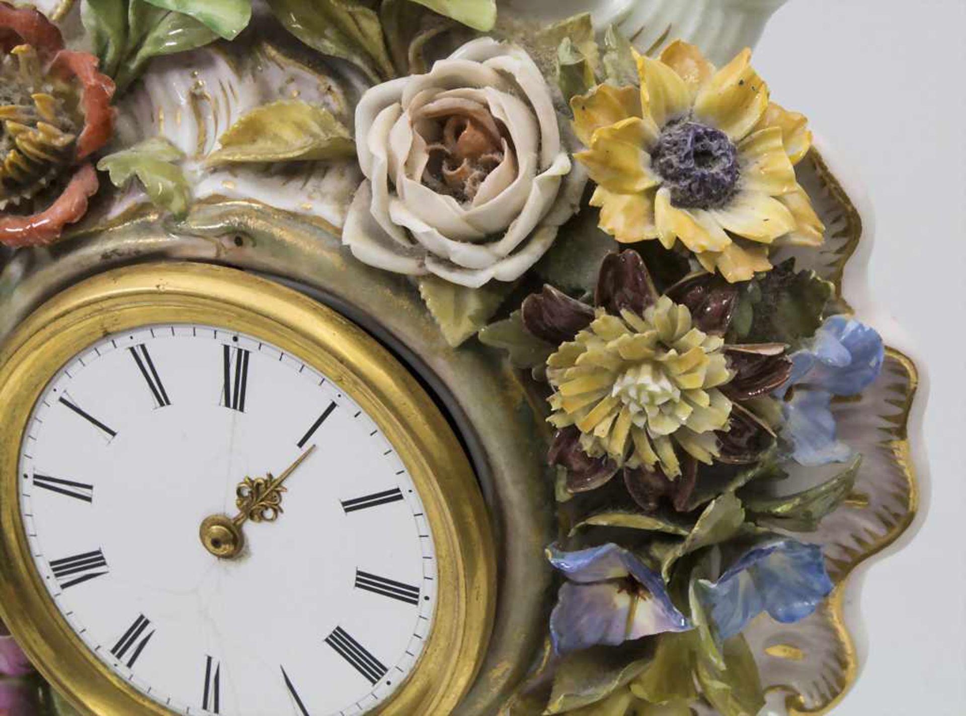 Seltene Tischuhr mit integriertem Schreibset / A rare porcelain table clock with integrated - Bild 11 aus 16