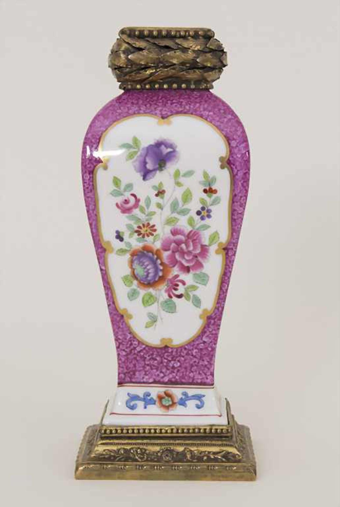 Vase mit Bronzemontur / A vase with bronze mounts, Frankreich, um 1880