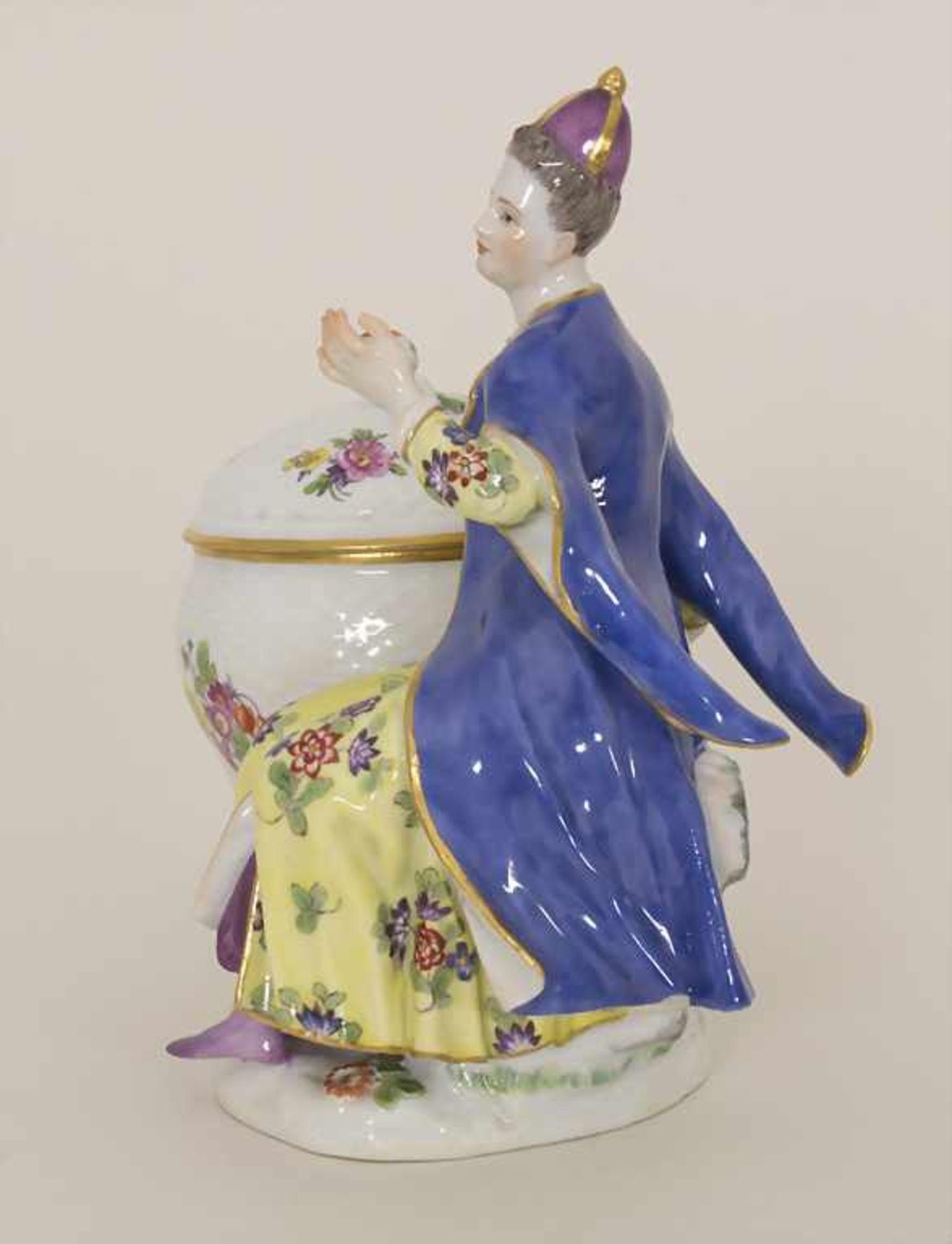 Gegenständige Figur einer Türkin mit Schale / A Turkish woman with a bowl, Meissen, Pfeiffer-Zeit, - Bild 2 aus 11