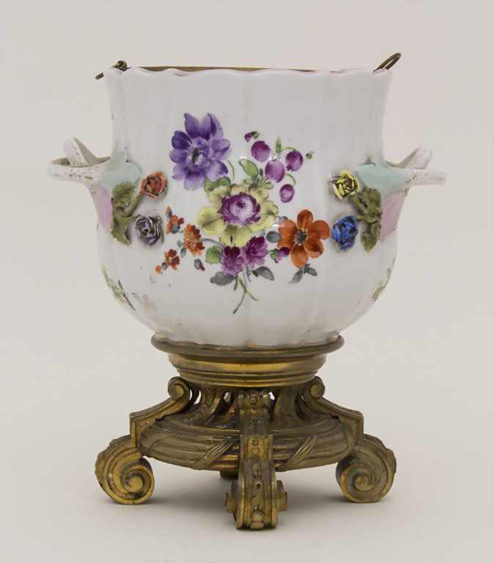 Cachepot mit Bronzemontur und Einsatz / A cachepot with bronze mount and insert, Helena Wolfsohn,