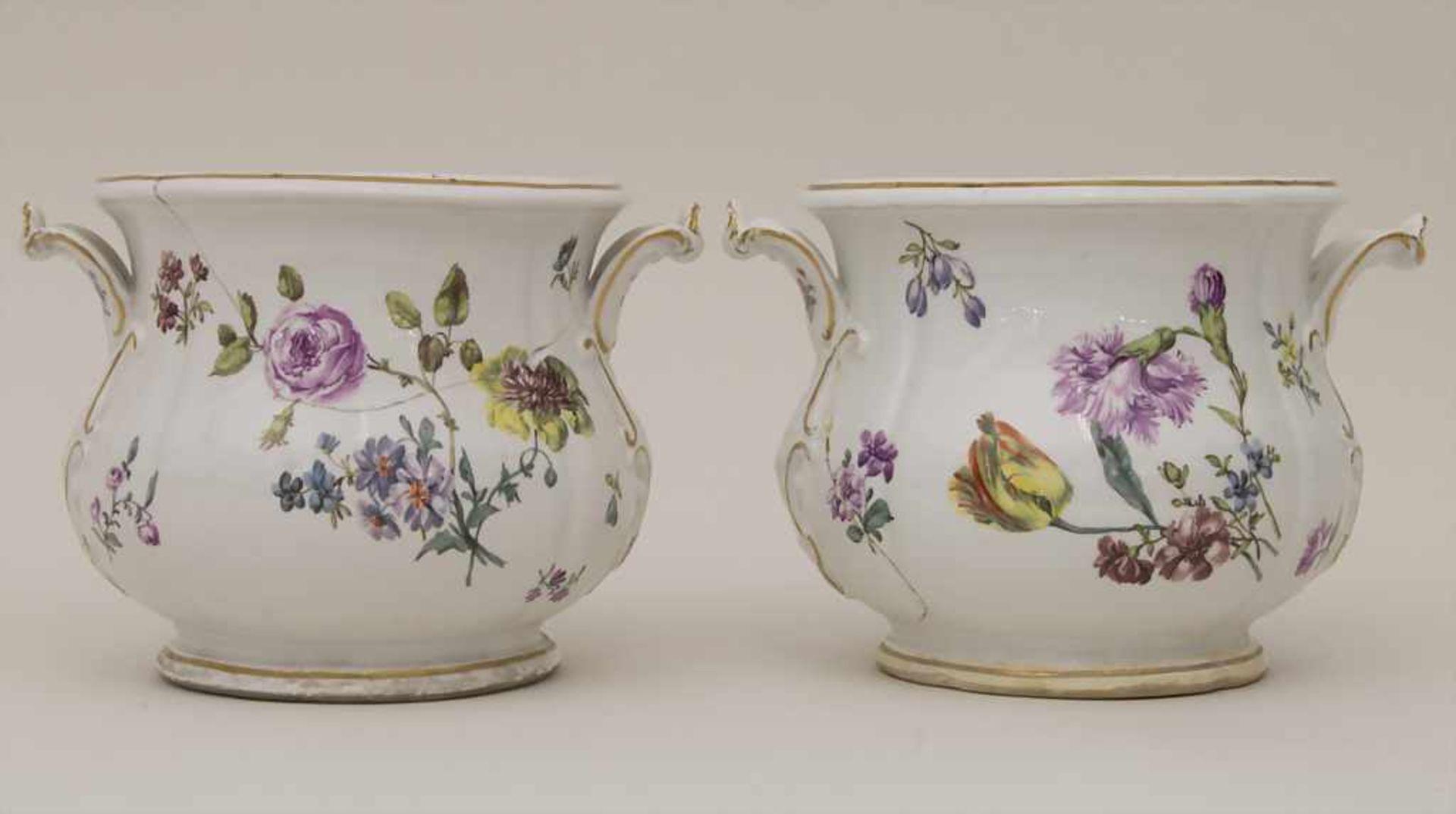 Paar frühe Cachepots mit seitlichen Handhaben / A pair of early cachepots with handles, Meissen, - Bild 5 aus 12