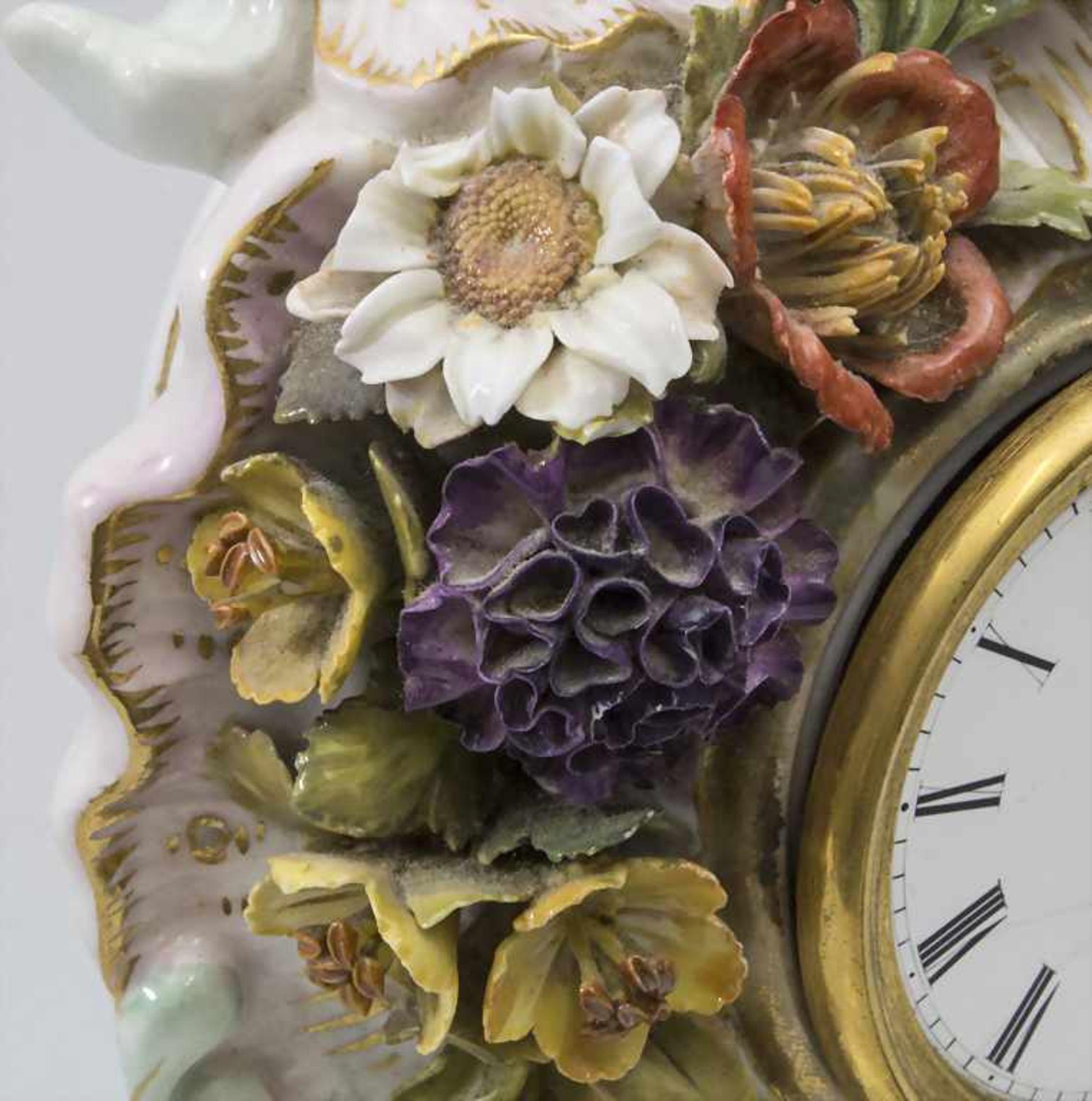 Seltene Tischuhr mit integriertem Schreibset / A rare porcelain table clock with integrated - Bild 12 aus 16