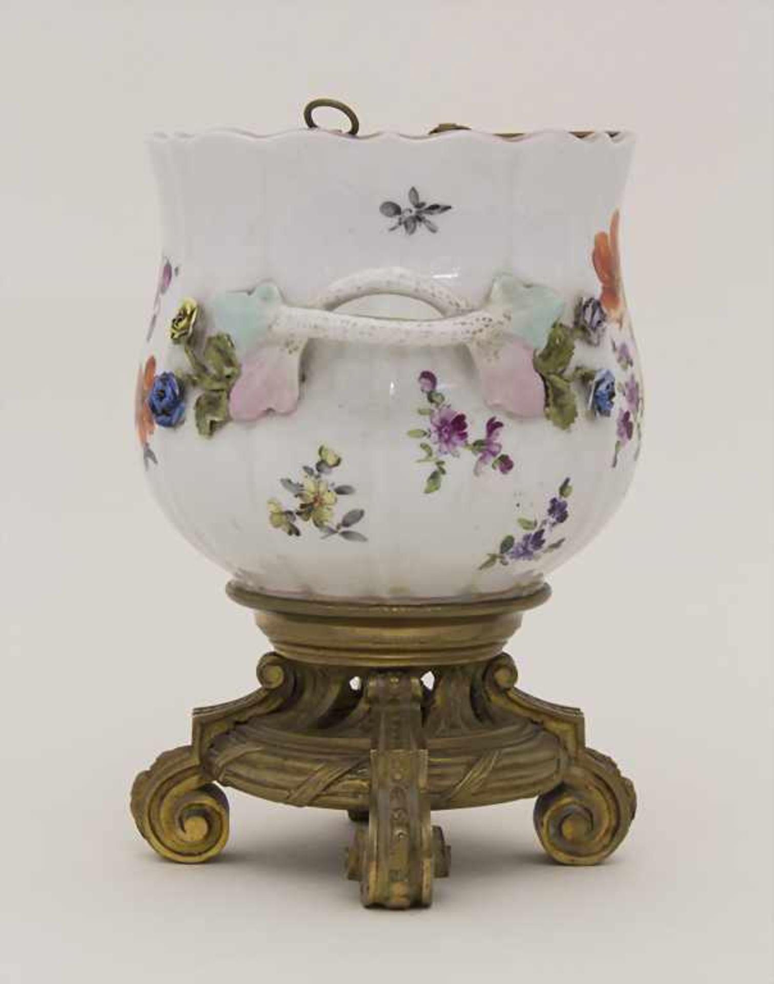 Cachepot mit Bronzemontur und Einsatz / A cachepot with bronze mount and insert, Helena Wolfsohn, - Bild 2 aus 8