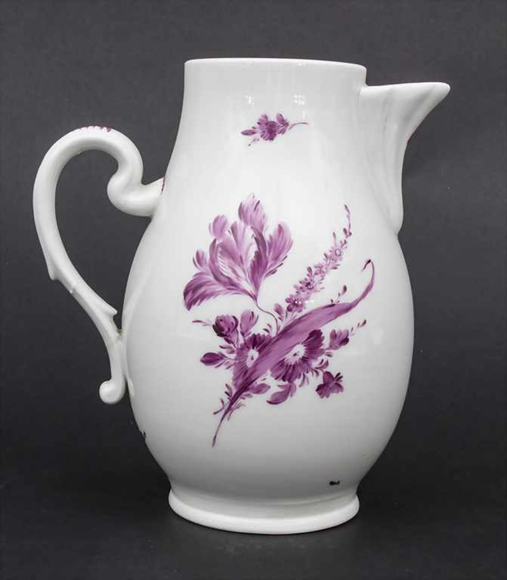 Kanne mit Blumen / A jug with Camaieu flowers, wohl Thüringen, um 1740 - Bild 4 aus 11
