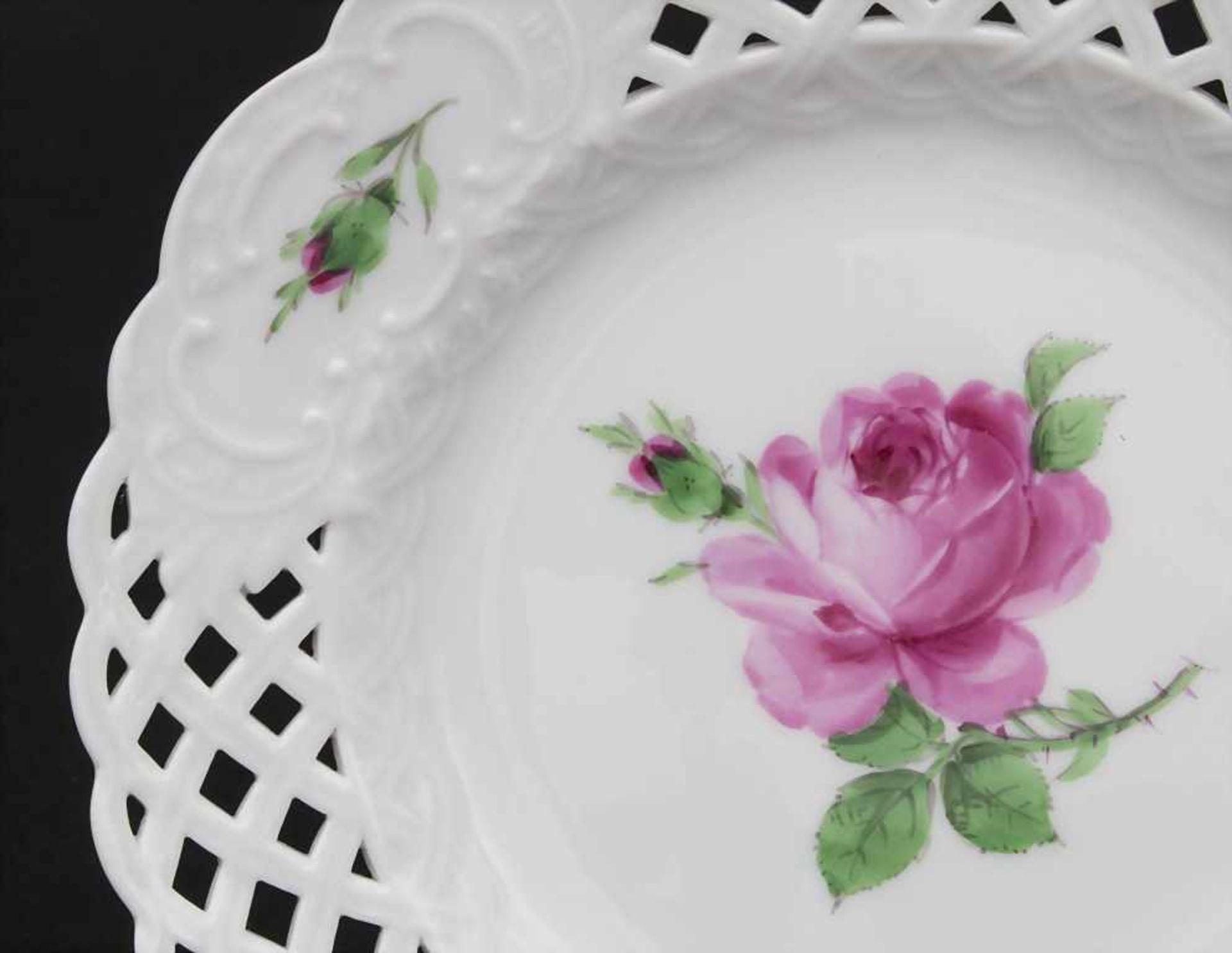 Konvolut Porzellane mit Rosendekor / A set of porcelain with roses, Meissen, 20. Jh. - Bild 11 aus 13