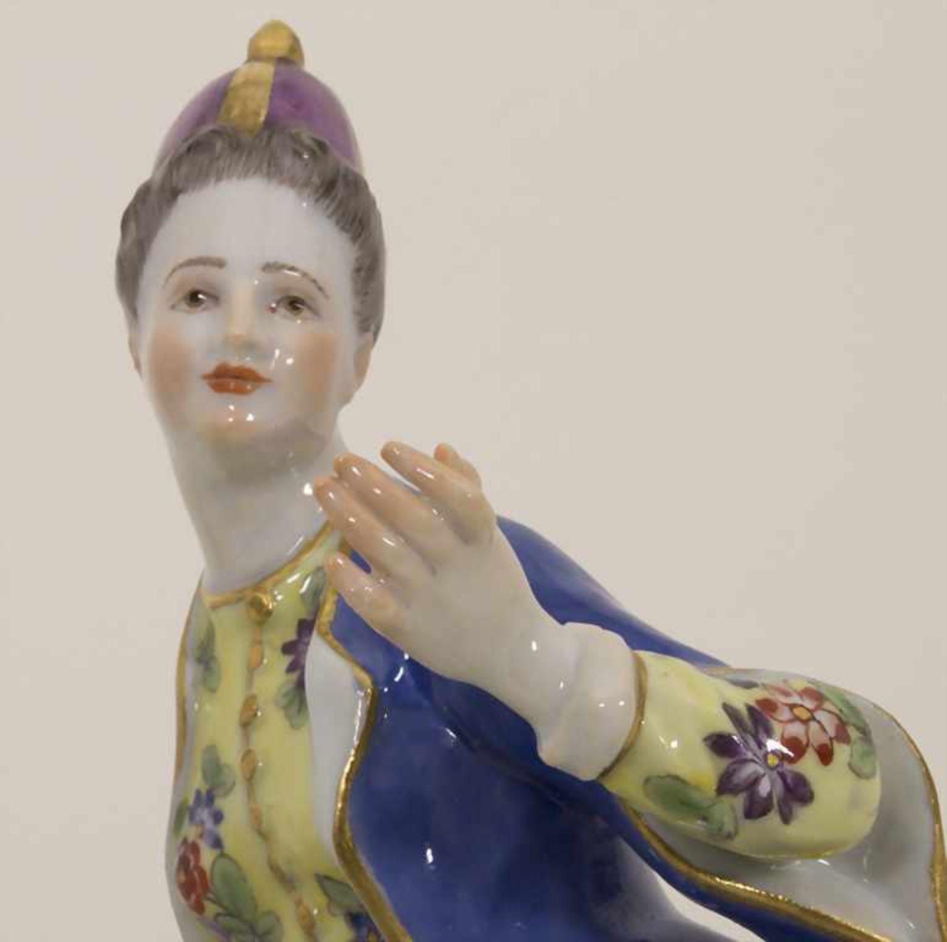Gegenständige Figur einer Türkin mit Schale / A Turkish woman with a bowl, Meissen, Pfeiffer-Zeit, - Bild 3 aus 11