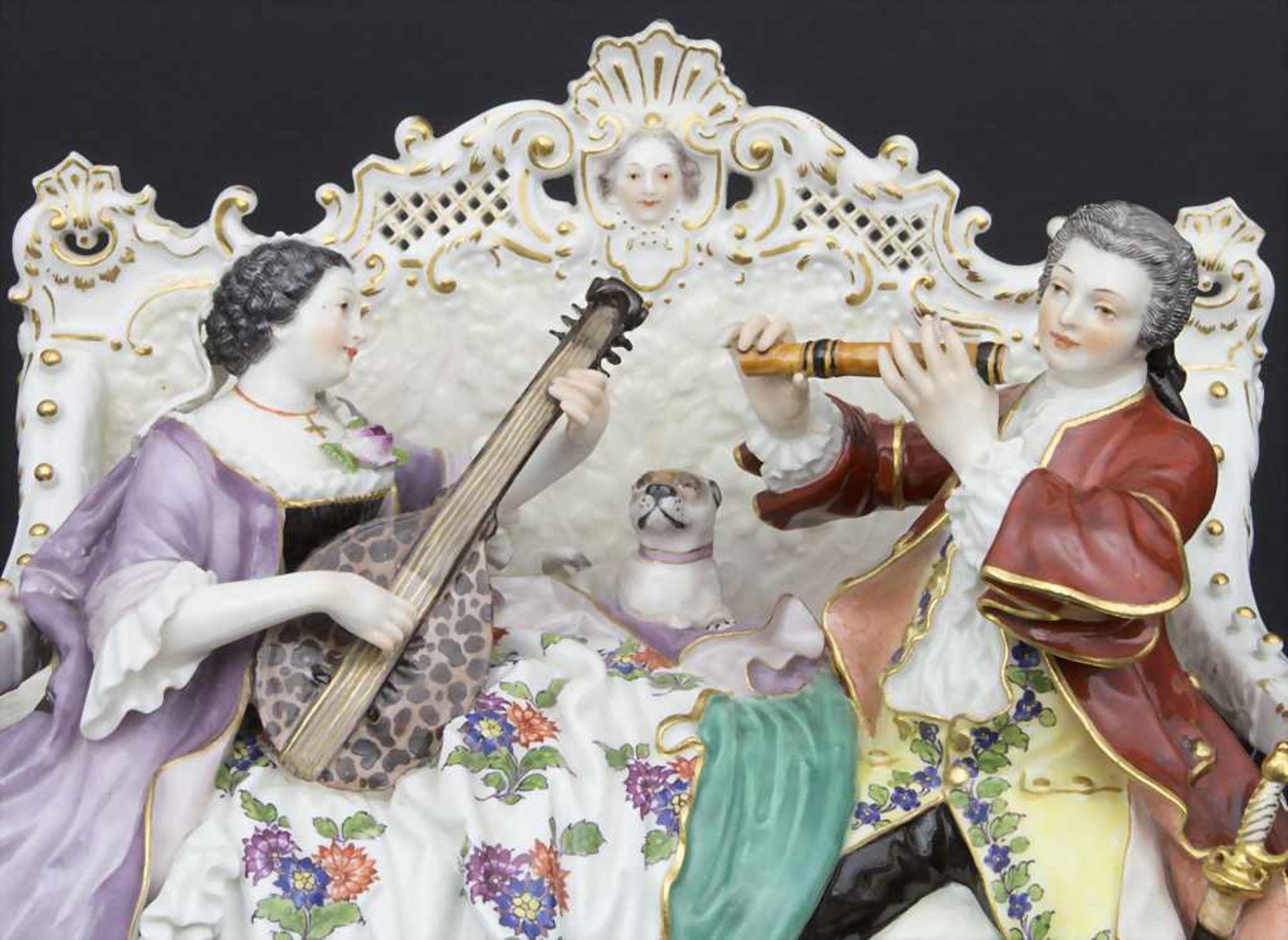 'Sofagruppe', musizierendes Paar mit Mops / A couple of musicians with a pug dog, Meissen, Mitte 19. - Bild 2 aus 9