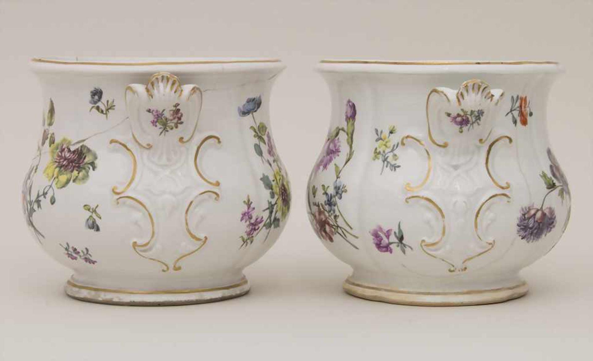 Paar frühe Cachepots mit seitlichen Handhaben / A pair of early cachepots with handles, Meissen, - Bild 6 aus 12