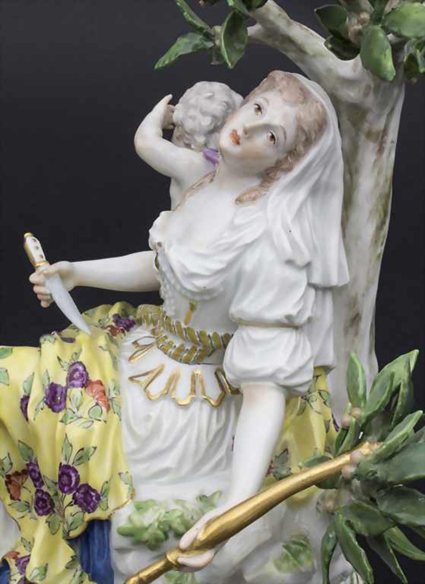Figurengruppe 'Melpomene mit Putto' / A figural group 'Melpomene with cupid', Meissen, 19. Jh. - Bild 7 aus 8