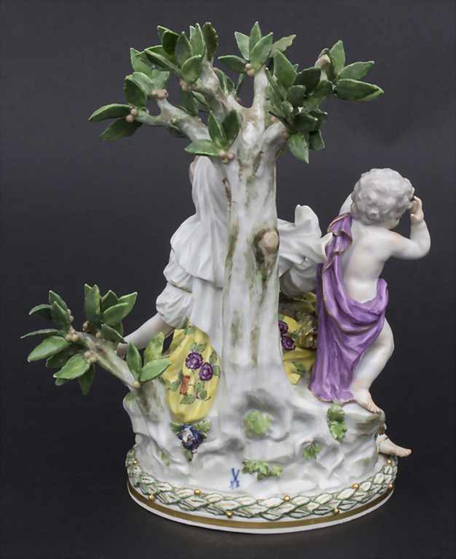 Figurengruppe 'Melpomene mit Putto' / A figural group 'Melpomene with cupid', Meissen, 19. Jh. - Bild 3 aus 8