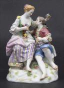 Verliebtes Schäferpaar / A figural group of lovers, Meissen, Mitte 20. Jh.