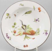 Suppenteller mit Gemüse-Dekor / A soup plate painted with vegetables, fruits and flowers, Wien, um