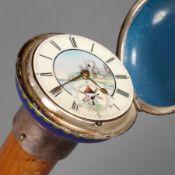 Systemstock19. Jh., flacher Knauf in polychromem Zellenschmelzemail verziert, integrierte Uhr mit