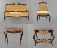 Herrschaftliche barocke Sitzgarnitur  2. Hälfte 18. Jh., bestehend aus Sofa, Tisch, Konsole und einem Sessel, wohl Buche massiv, farbig gefasst und vergoldet, Tisch mit doppelt geschwungener Zarge, mit Schnitzwerk aufwendig verziert, Marmorplatte aus rot-gelb geädertem Stein, die Konsole original nicht dazugehörig, elegant geschwungene Beine auf Rehfüßen, die Zarge kanneliert und mit C-Motiven verziert, frontseitig gebaucht, mit geschnitzter Rocaille und Blüten verziert, originale Marmorp...