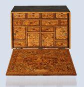 Feines Renaissance-Kabinettwohl Augsburg, um 1580, Gehäuse partiell in Palisander furniert, die