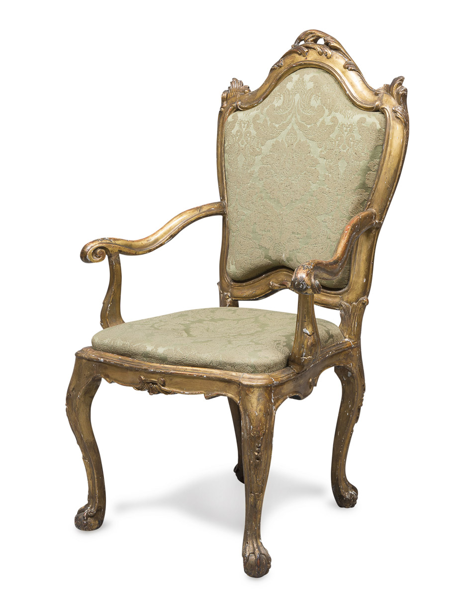 Lot 240 - CARDINALS ARMCHAIR IN GILTWOOD PROBABLY VENICE 18TH CENTURY