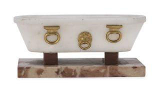 MODEL OF CLASSIC BATHTUB EARLY 19th CENTURY
