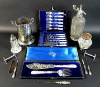 A collection of silver plated wares, including an Edwardian silver handled boothook, 20cm long,